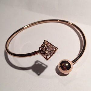 Jewelry - Loose crystals bracelet